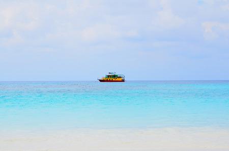 Een Yacht op het strand Stockfoto