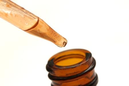 Geïsoleerde medicinical drug pipet Stockfoto - 13759527