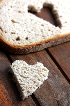bread slice heart Stock Photo - 13909542