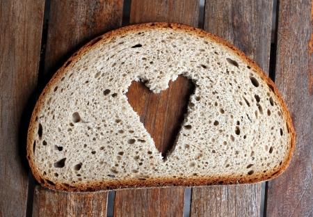 bread slice heart Stock Photo - 13909589