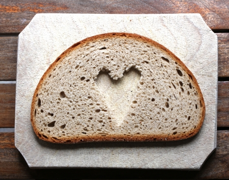 bread slice heart Stock Photo - 13909585