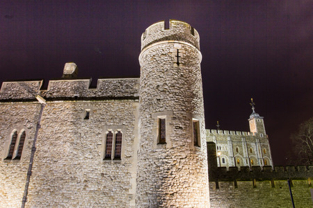tower of london at night photo
