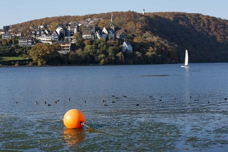 Harkort See vor feuchter ruhr Deutschland Standard-Bild - 33240657