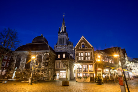 weihnachtsmarkt: aachen old city in the evening Stock Photo