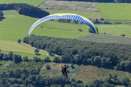 paradglider: paradglider flying