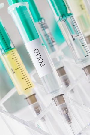 vacunaci�n: vacunaci�n contra la poliomielitis