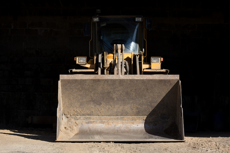 loader: shovel wheel loader