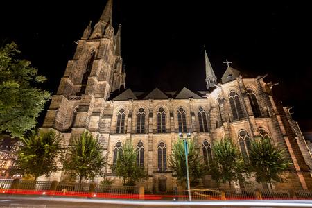 밤에 elisbethen 교회 marburg 독일