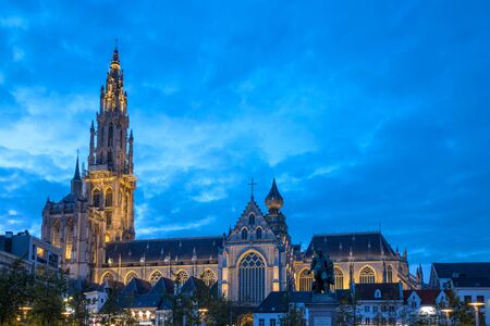 Cathedral of Our Lady antwerp belgium in the evening Stockfoto - 127863838