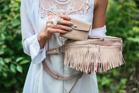 Vrouw met een tas