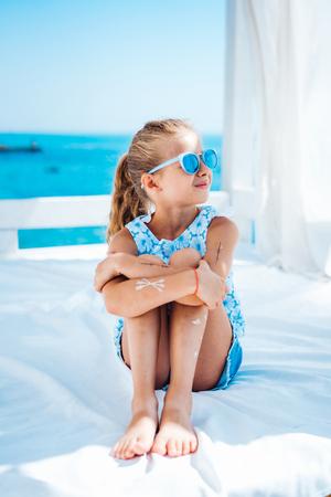 어린 소녀 휴가에