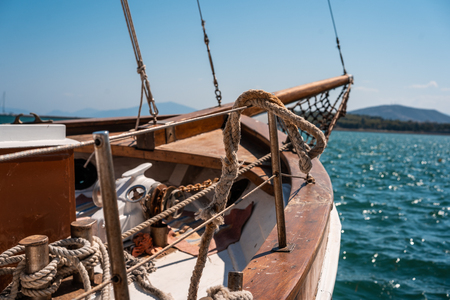 Photo of an old wooden boat, close view Imagens