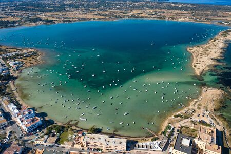 Beautiful turquoise bay at Formentera, aerial view. Stockfoto - 132124859