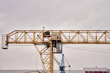 Port cargo crane over blue sky background Banque d'images