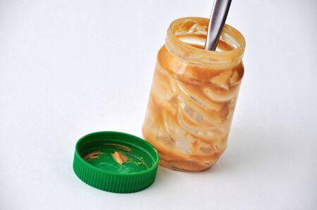 땅콩 버터의 빈 병