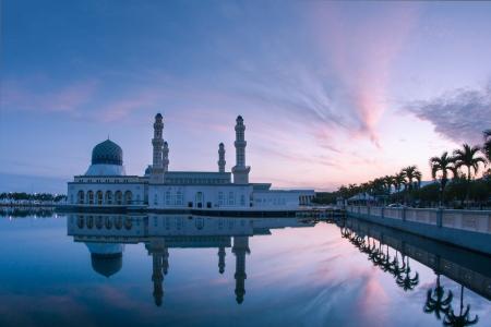 likas: Sunrise at Floating Mosque Kota Kinabalu, Sabah, Malaysia Stock Photo