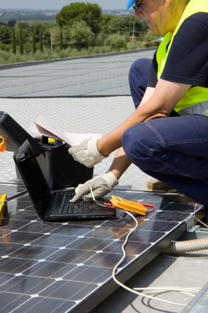 Sonnenenergie Standard-Bild - 15199036