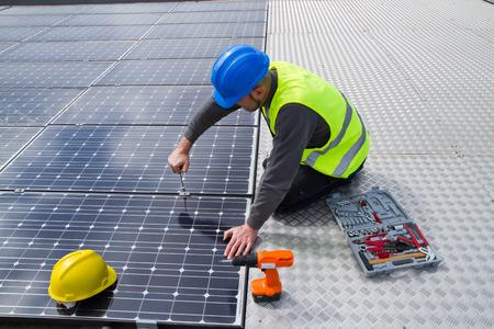menuisier: photovolta�ques Banque d'images
