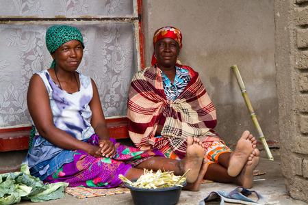 Menschen in Afrika Standard-Bild - 41009118