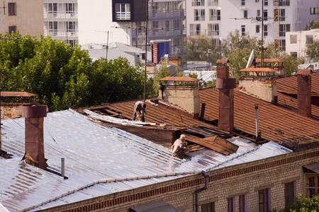 rooftiles: roof tiler