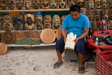 itza: chichen itza craftsman