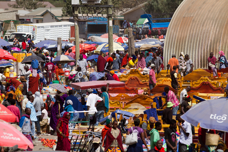 market day in a town of north tanzania Éditoriale