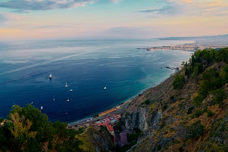 ionio: Taormina View