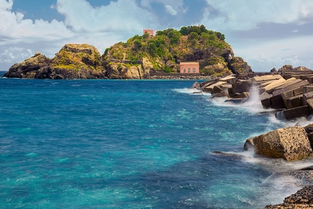 ionio: island lachea