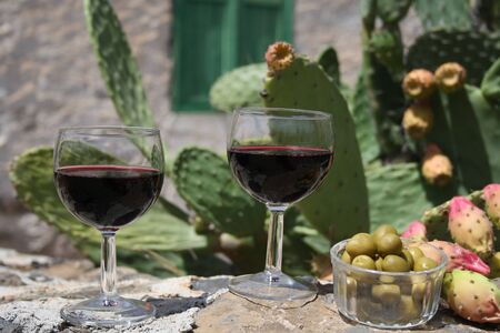 canarian: Canarian red wine in the countryside