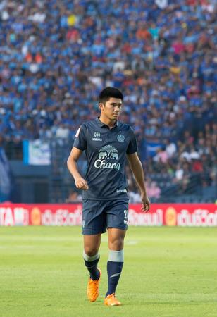 premier league: BURIRAM THAILAND-APRIL 15:Nattaphon Malaphan(blue) in Thai Premier League (TPL) between Buriram United(blue) vs Chonburi FC(white) on April 15, 2016 at I-mobile Stadium in Buriram Thailand Editorial