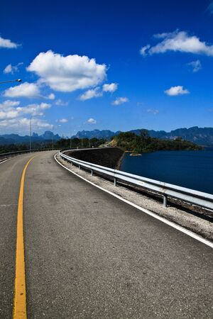 Road to island