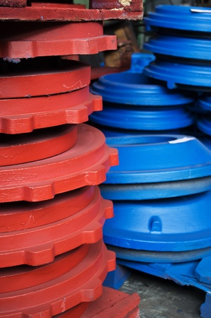 the cast iron parts for various machines photo
