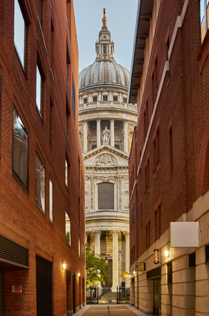 october 31: LONDON -October 31 : St Pauls cathedral in London 31.10.2015 Editorial