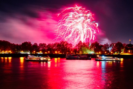 guy fawkes night: Lndon, Uk 2015, 7 novembre Guy Fawkes fuochi d'artificio a Southbank del fiume Tamigi. Londra, 7 nov 2015