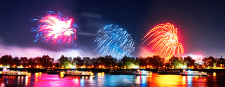 guy fawkes night: Lndon, Uk 2015, november 7. Guy Fawkes fireworks at southbank of thames river. london , november 7 2015