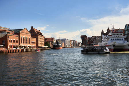 Gdansk 27 June 2020 - Old town of Gdansk and Weltawa river. Poland 新聞圖片