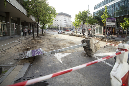Belgrade, Serbia - April 25, 2019. Belgrade Republic Square under reconstruction by heavy machinery.Belgrade is capital city of Serbia. Archivio Fotografico - 123262858