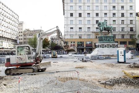 Belgrade, Serbia - April 25, 2019. Belgrade Republic Square under reconstruction by heavy machinery.Belgrade is capital city of Serbia. Archivio Fotografico - 123262860