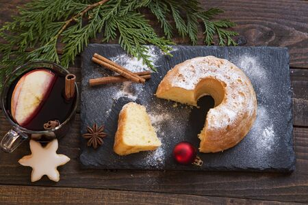 Christmas cake on granite board with decoration Zdjęcie Seryjne