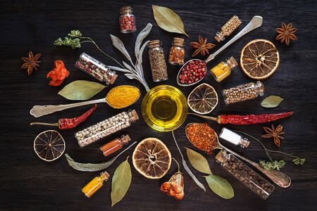 Herbs and spices on black background Banque d'images