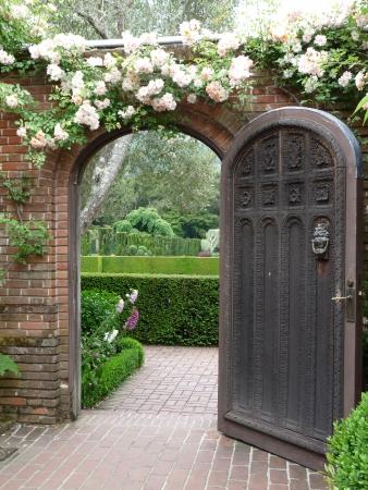 Open deur naar de tuin Stockfoto