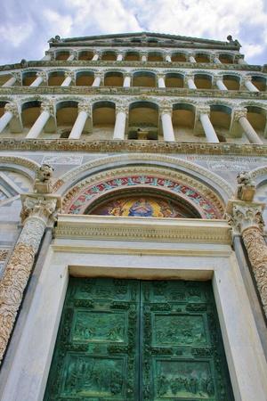 large doors: Large bronze church doors