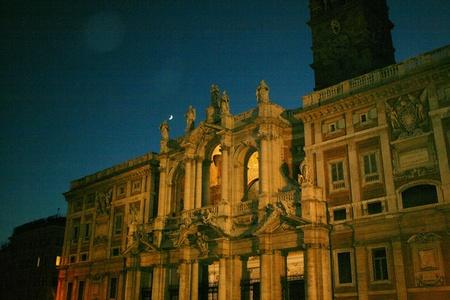 マリア マッジョーレ大聖堂やローマ教会夜 報道画像