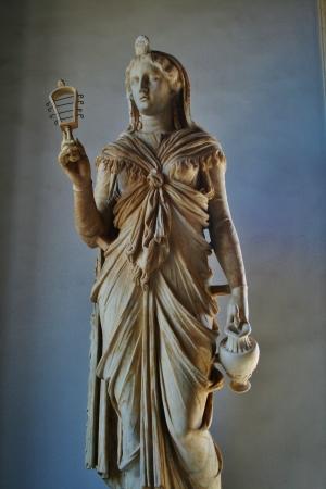 アテナの彫刻やミューズ 報道画像