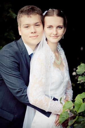 Attractive couple on their wedding day Stock Photo - 5437885
