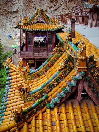 大同 (中国) の近くの寺院をぶら下げ
