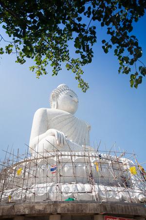marmorate: La statua in marmo di Big Buddha a Phuket, Thailandia