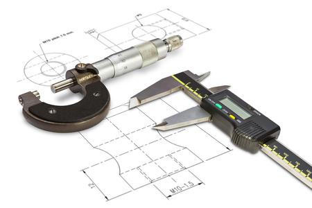 Micrometer en digitale vernierbeugels, geïsoleerd op een tekening achtergrond met het knippen van weg