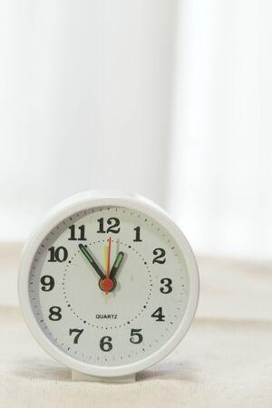 Clock 1:00 before