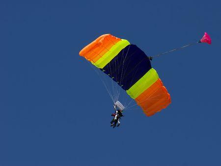 parachutist 바람을 타고